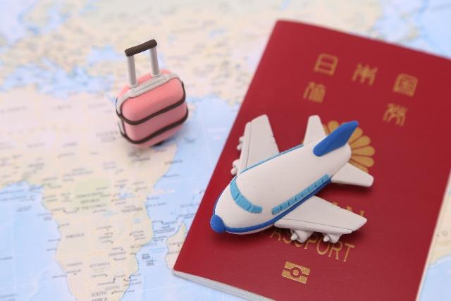 飛行機・パスポート・クレイ