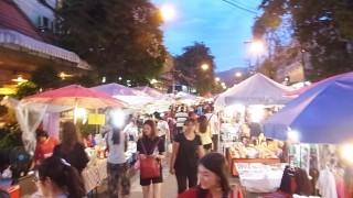 【サンデーマーケット】@チェンマイの夜のマーケット