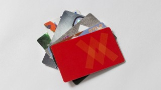 JALマイルを年会費無料で貯めるクレジットカードはコレ♪