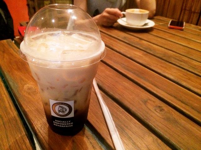 チェンマイ カフェ アカアマコーヒー