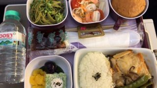 タイ国際航空<バンコクー羽田TG660・B747>の機内食よっ