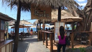 カイルア・コナで海沿いの解放感溢れるレストランでランチをしてみました