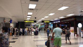 チェンマイ空港でチェックイン。帰国のため出国します。