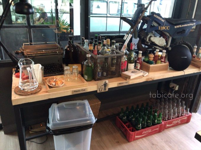 ombra cafe 店内